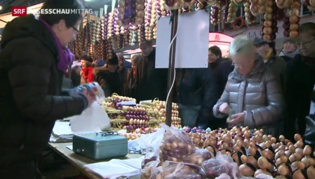 Video «Zibelemärit lockt Massen nach Bern» abspielen