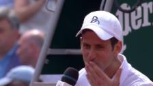 Link öffnet eine Lightbox. Video Djokovic: Rüffel von Agassi, Küsse für Jelena abspielen