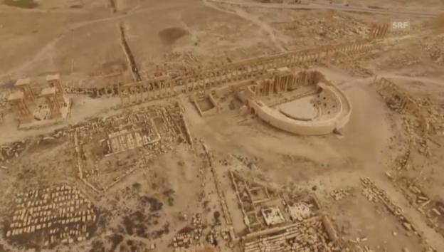 Video «Luftaufnahmen nach der Vertreibung des IS aus Palmyra» abspielen