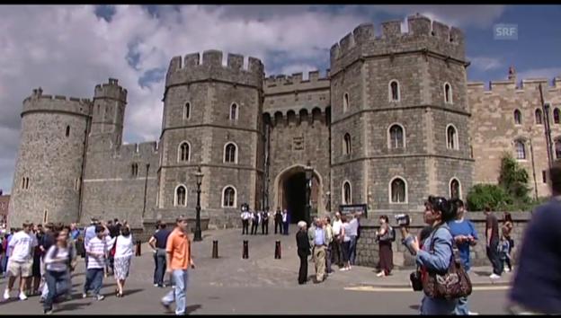 Video «So sieht das Schloss der Queen aus (unkomm. Video)» abspielen
