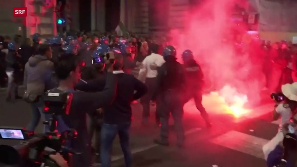 Aus dem Archiv: Schwere Ausschreitungen bei Coronademo im Rom