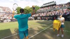 Link öffnet eine Lightbox. Video Federer gewinnt Stuttgart-Halbfinal gegen Kyrgios abspielen