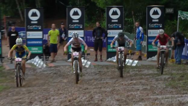 Video «Mountainbike: Weltcup in Cairns, Eliminator, Final Frauen» abspielen