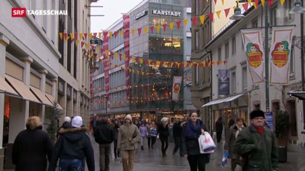 Video «Einkaufstourismus hält an» abspielen