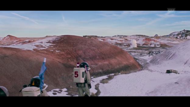 Video «Trailer «Above and Below»» abspielen
