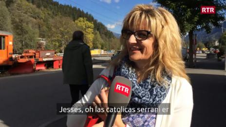 Laschar ir video «Pertge èn baselgias refurmadas savens serradas e catolicas avertas?»