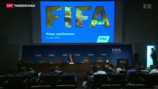 Video «Sepp Blatter tritt ab» abspielen