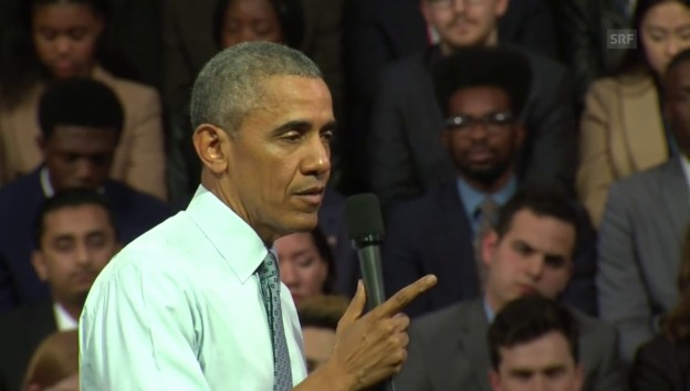 Video «Studentin McCarney befragt Präsident Obama» abspielen