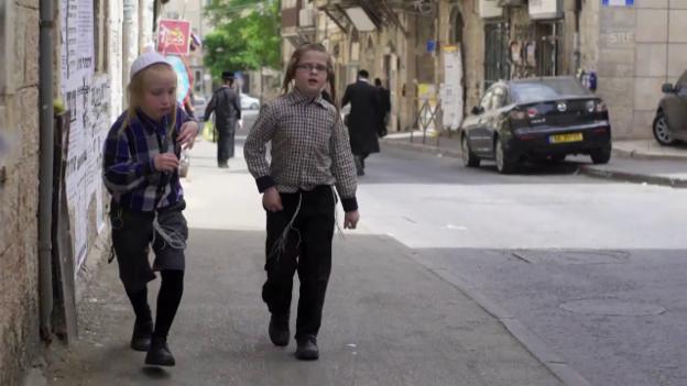 Video «In Israel wächst die ultraorthodoxe Bevölkerung» abspielen