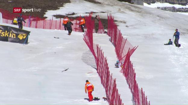 Video «Jasmine Flury stürzt beim Zielsprung» abspielen