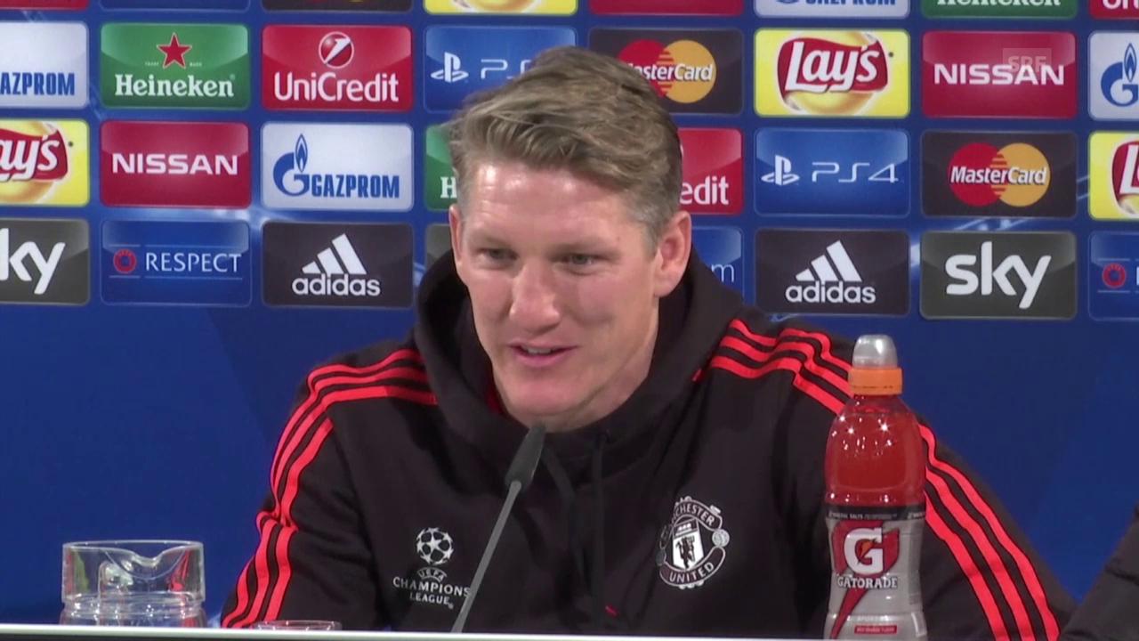 Fussball: Champions League, Wolfsburg-Manchester United, Pressekonferenz Schweinsteiger