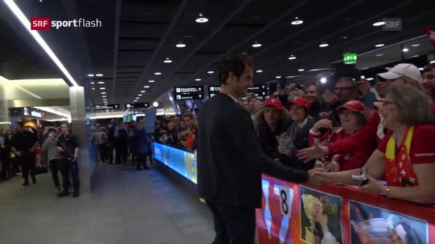 Video «Die Schweizer Fans feiern Federer frenetisch» abspielen