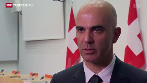 Video «Bundesrat lehnt Einheitskasse ab» abspielen
