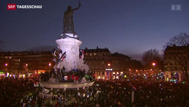 Video «Paris: Gedenkmarsch gegen den Terror» abspielen