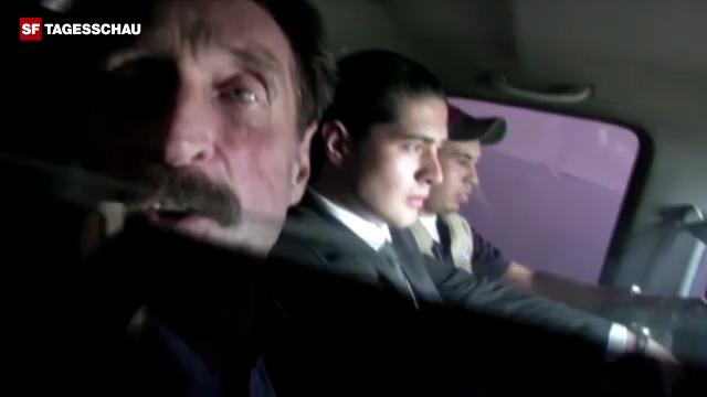 McAfee vor dem Abflug von Guatemala nach Miami (englisch)