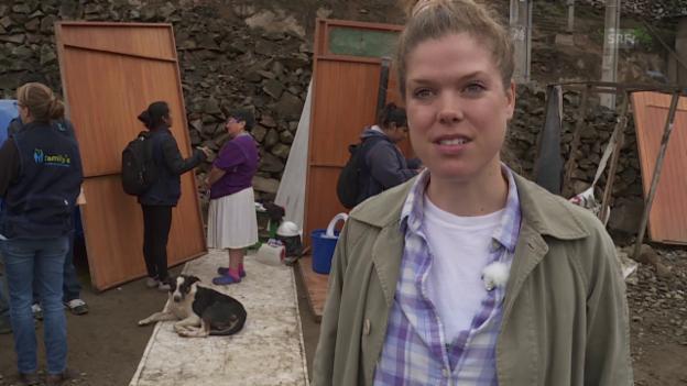 Video «WCs für Slum-Bewohner in Peru» abspielen