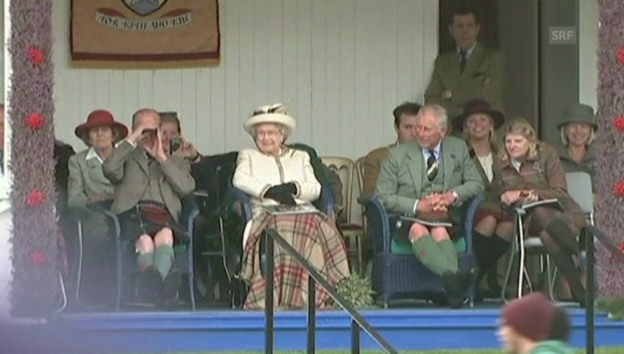 Video «Queen Elisabeth bei den Highland Games 2014» abspielen