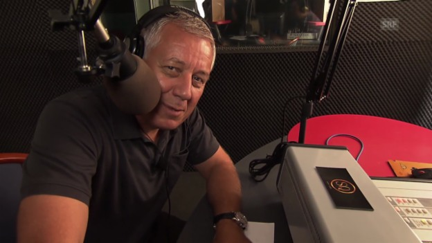 Video «Röbi Koller beim griechischen Radiosender» abspielen