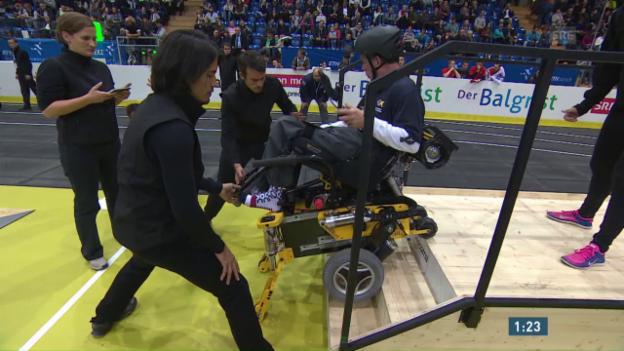 Video «Qualifikation: Rollstuhl-Parcours» abspielen