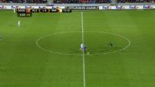 Link öffnet eine Lightbox. Video Missglückter Goalie-Ausflug an die Mittellinie abspielen