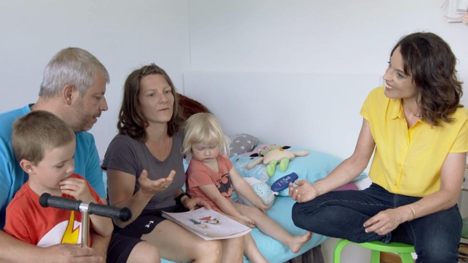 Mona Vetsch fragt nach – Machen Kinder glücklich?