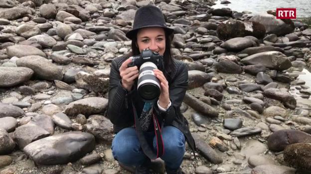 Laschar ir video «La fotografa cun chapè»