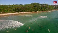 Link öffnet eine Lightbox. Video Hai-Attacken im Surfparadies abspielen