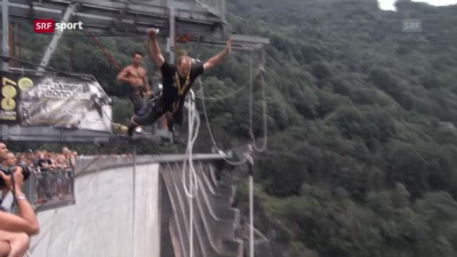 Schwinger Bruno Gisler beim Bungee-Jumping