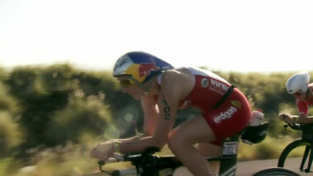Video «Triathlon: Ironman Hawaii, Daniela Ryf siegt überlegen» abspielen