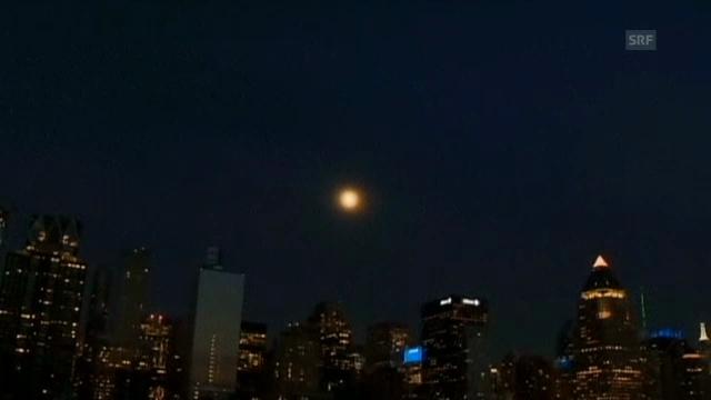 «Supermond» über New York (ohne Ton)