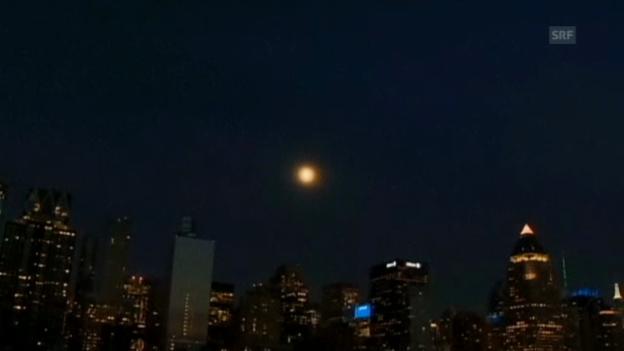 Video ««Supermond» über New York (ohne Ton)» abspielen
