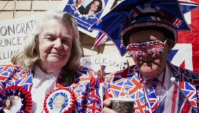 Video «Ungeduldig: Wie ganz England auf das zweite royale Baby wartet» abspielen