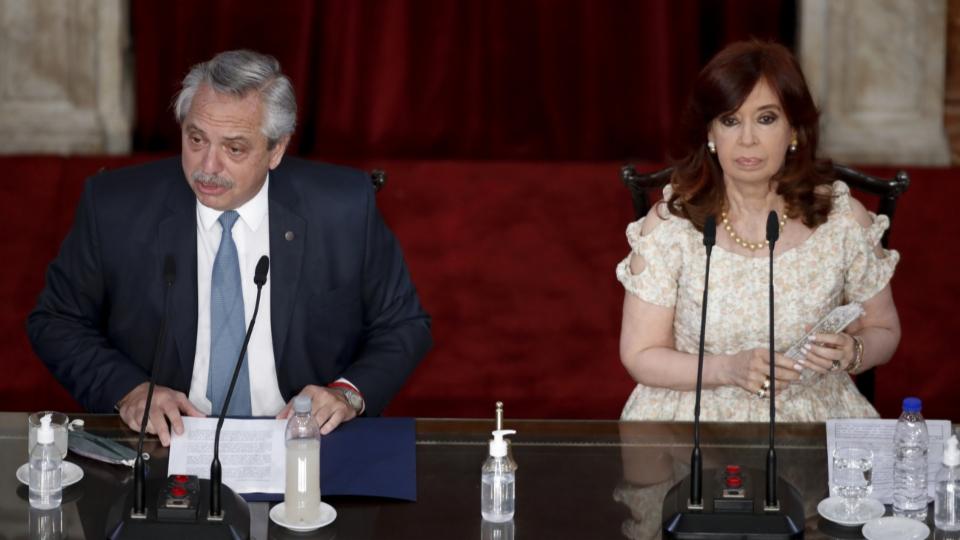 Argentiniens Staatschef bildet sein Kabinett um