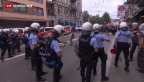Video «Illegaler Umzug für Flüchtlinge» abspielen