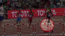 Video «Leichtathletik: WM Peking, umstrittene Szene 400 m Hürden» abspielen
