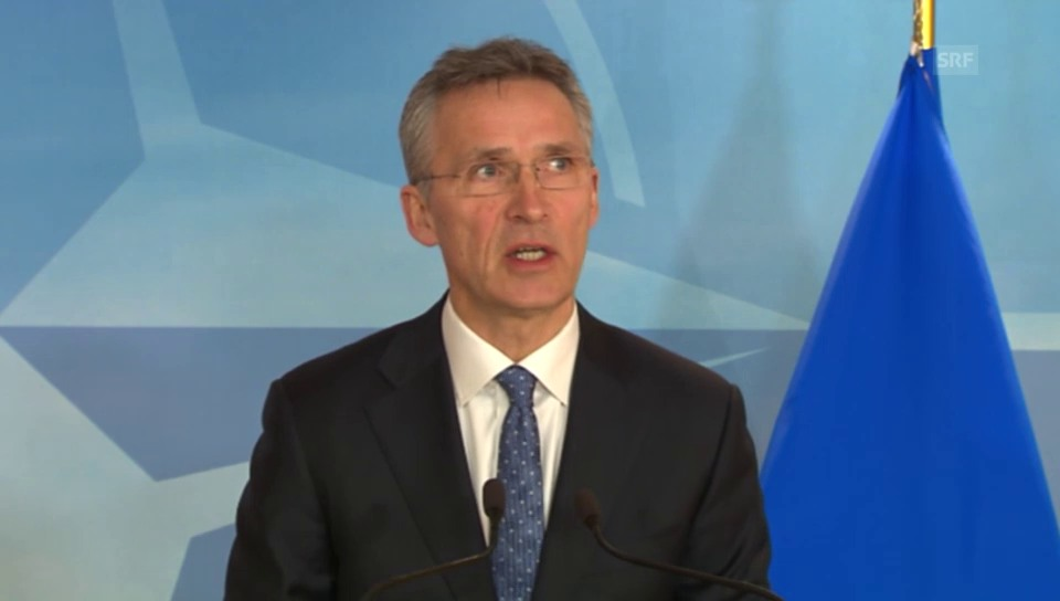 Nato-Generalsekretär Jens Stoltenberg erläutert den Einsatz (engl.)