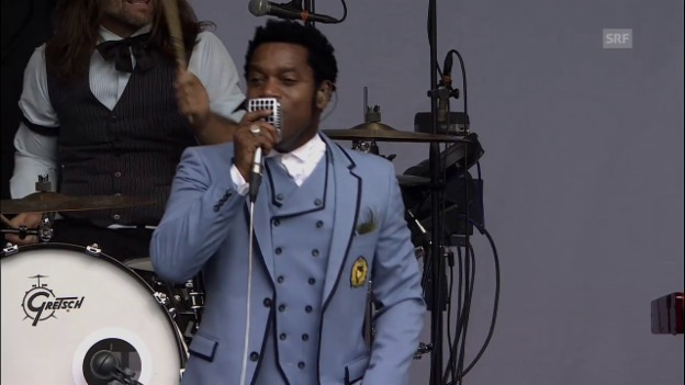 Video «Vintage Trouble - «Doin' What You Were Doin'» Heitere Open Air» abspielen