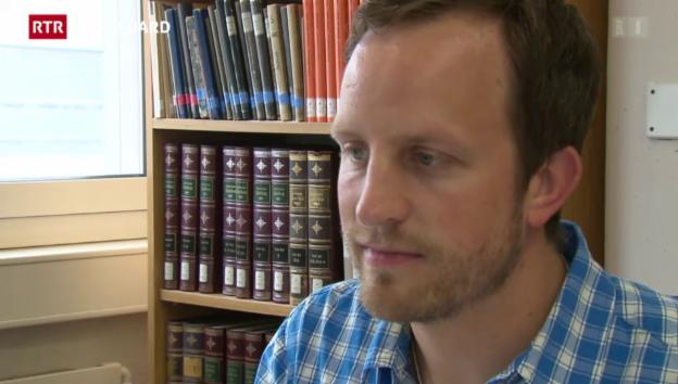 Laschar ir video «Giuvens scienziads èn s'inscuntrads a Tavau: Ursin Lutz preschenta sia lavur da doctorat»