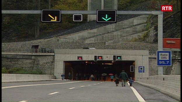 Laschar ir video «Preschentaziun dal tunnel Crapteig»