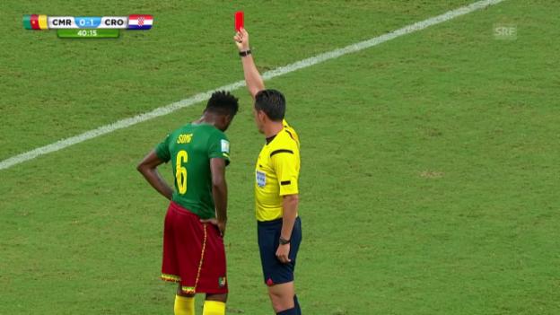 Video «Fussball: WM 2014, CMR-CRO, rote Karte gegen Song» abspielen