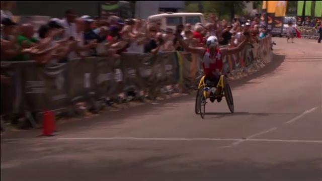 Rollstuhl-Marathon: Hugs Start und Zielankunft