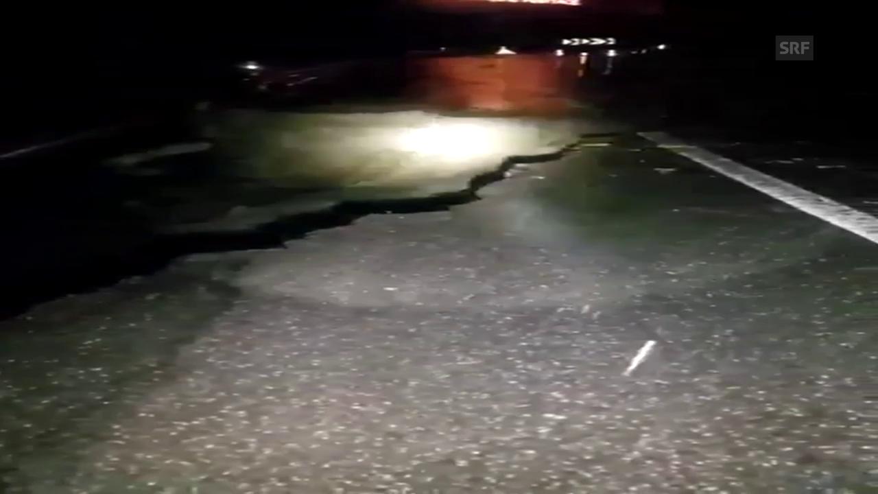 Die arg beschädigte Strasse nach Adelboden