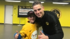 Video «Einmal die Spieler der BSC Young Boys treffen» abspielen