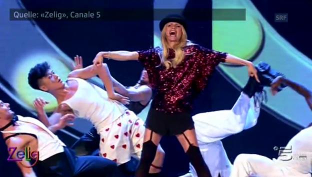 Video «Schwanger in Strapsen: Hunziker tanzt» abspielen