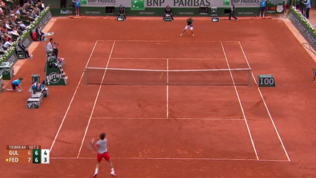 Video «Tennis: French Open, entscheidende Bälle Federer - Gulbis» abspielen