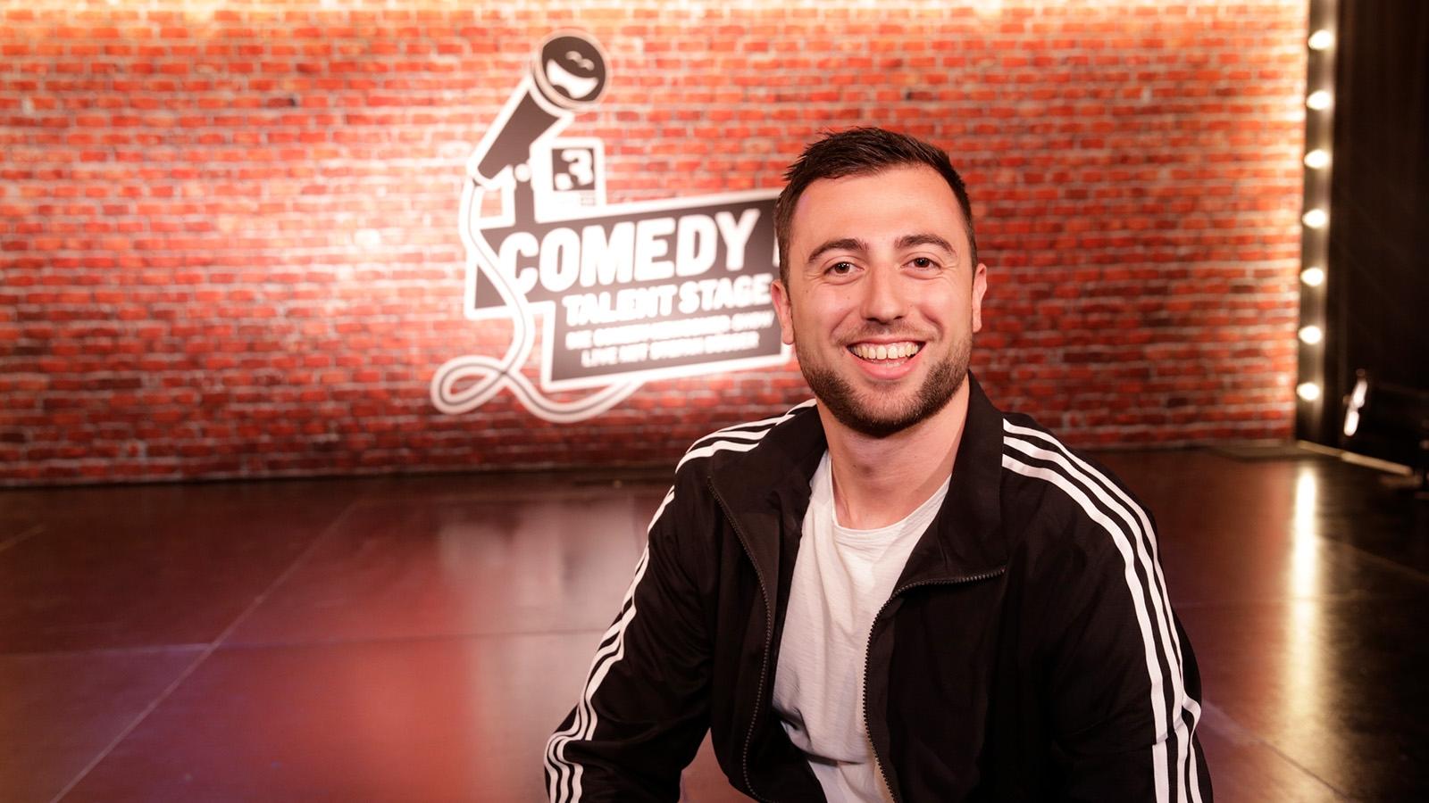 Sven Ivanic auf der SRF 3 «Comedy Talent Stage»