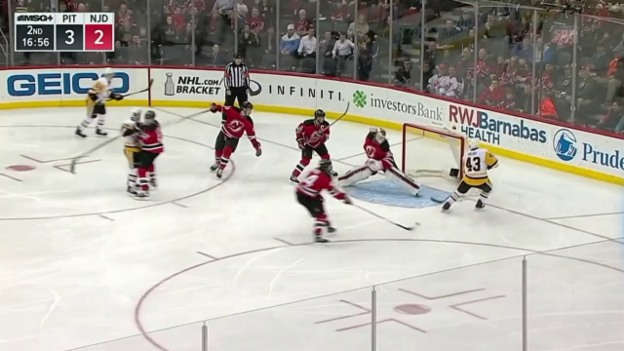 Video «Ein perfekter Spielzug der Penguins» abspielen