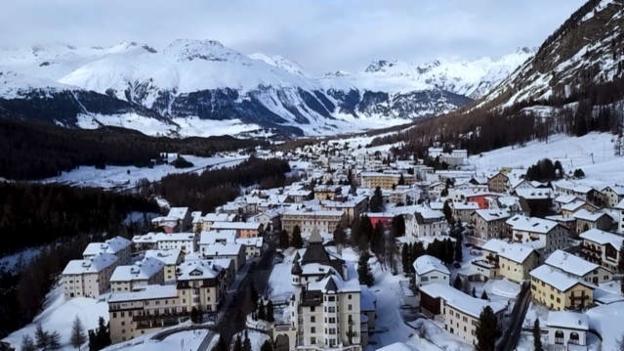 Video ««SRF bi de Lüt – Winterfest»: live aus Pontresina» abspielen