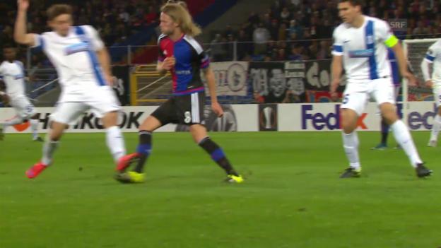 Video «Fussball: Europa League 2015/16, 2. Gruppenspiel, Basel – Lech Posen, Gelb-rot gegen Linetty» abspielen