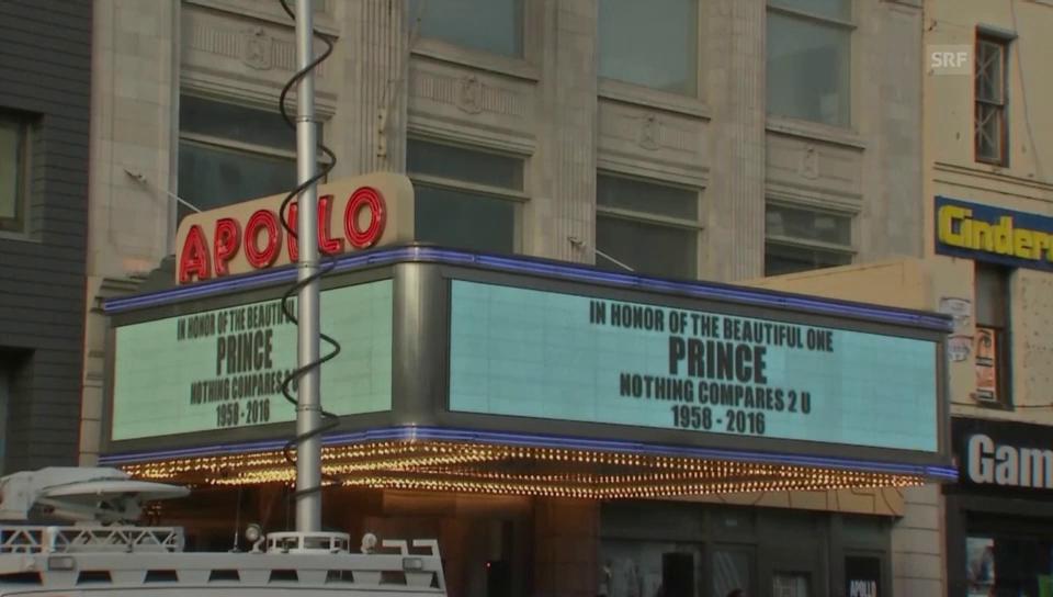 Prince-Fans vor dem «Apollo» in New York (unkommentiert)